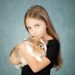 Storie di un'amicizia Calendario 2017 - Foto bambina e coniglio